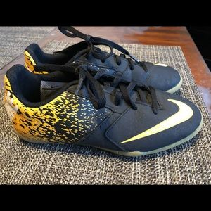 Nike Indoor Soccer ⚽️ Shoes size youth 2Y